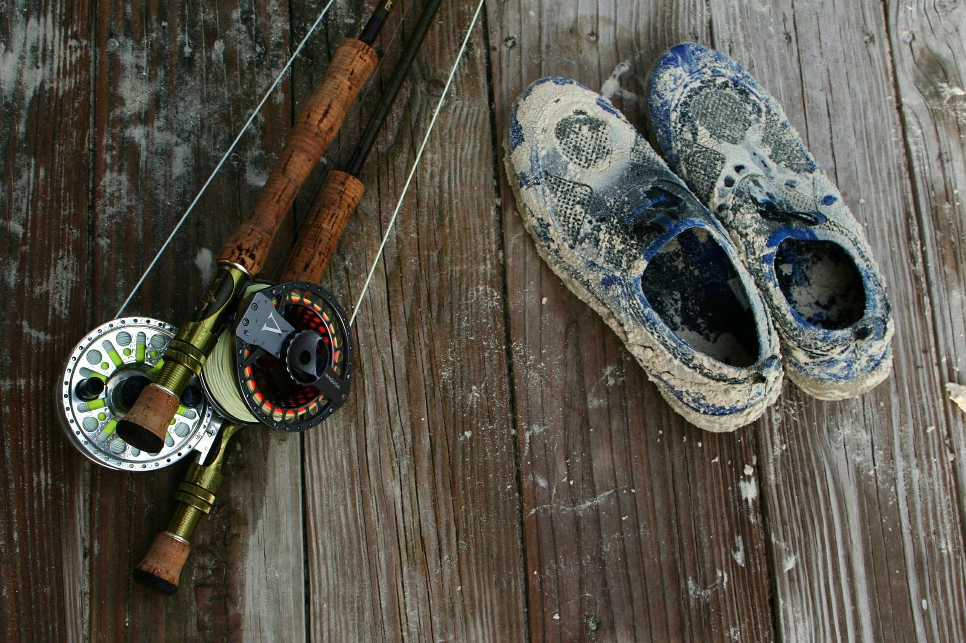 Angelschein Rheine - Angelrute und Schuhe